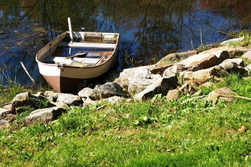 小船下沉 免版税图库摄影