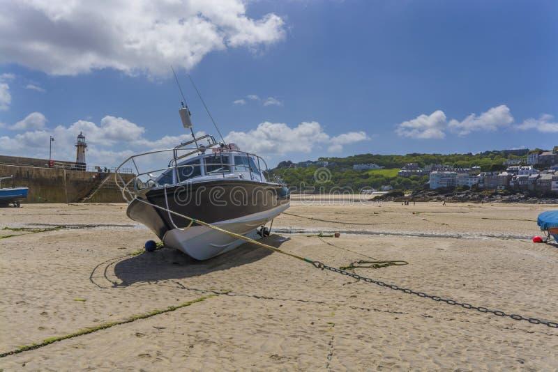 小船历史的harborat圣Ives康沃尔郡 免版税图库摄影