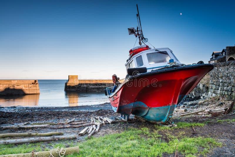 小船在克拉斯特港口 库存照片