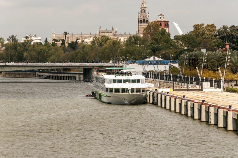 小船在塞维利亚 库存图片