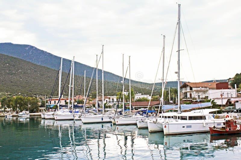 小船在沃洛斯希腊 库存图片