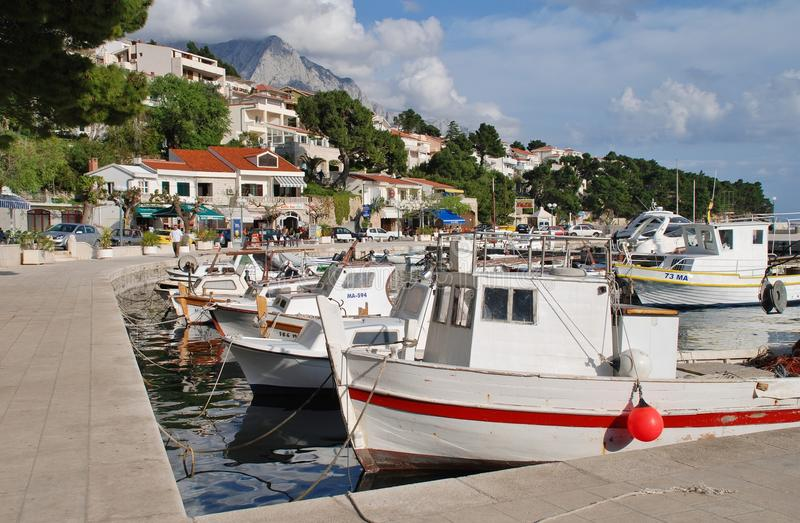 Brela港口,克罗地亚 免版税库存照片