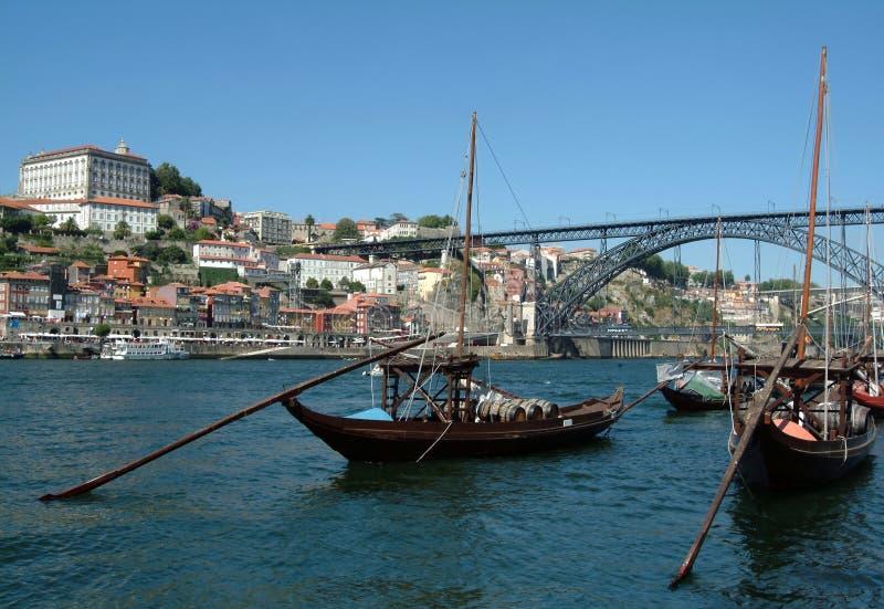 小船城市典型的波尔图 免版税图库摄影