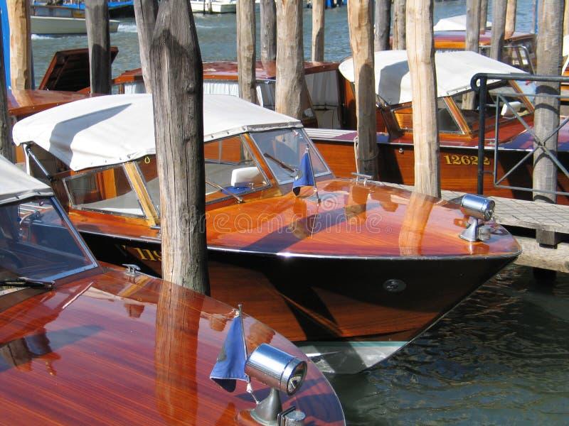 小船意大利被停泊的威尼斯 库存图片