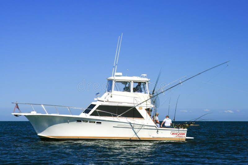 小船执照捕鱼枪安大略湖体育运动顶&# 免版税图库摄影