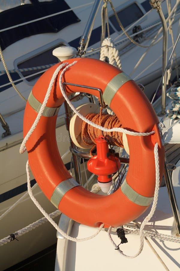 小船救生带在海口 库存图片