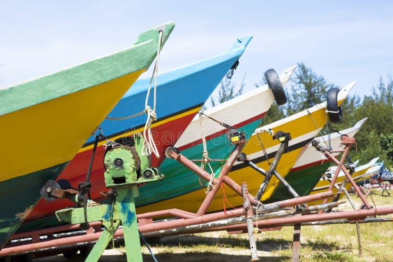小船汶莱五颜六色的捕鱼 库存图片