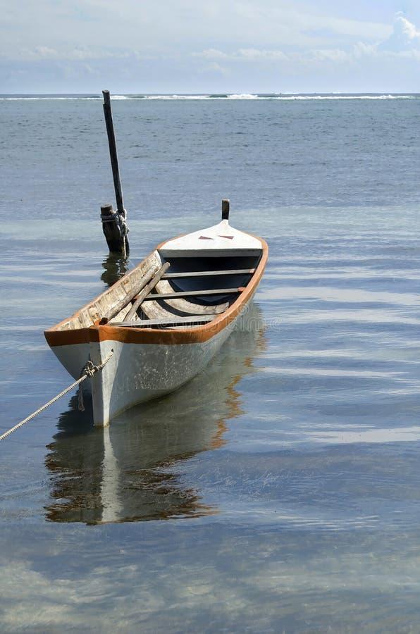 小船浮动的水 免版税库存图片