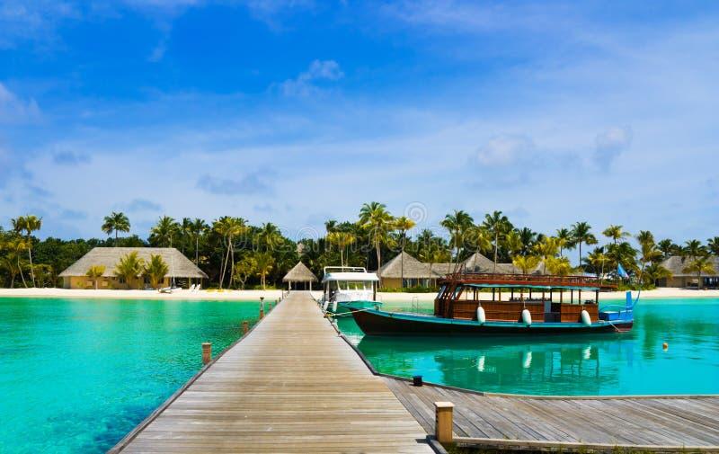 小船海岛被停泊的热带 库存照片