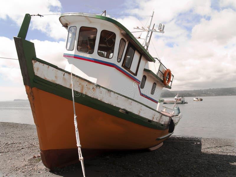 小船渔夫被停泊 免版税库存图片