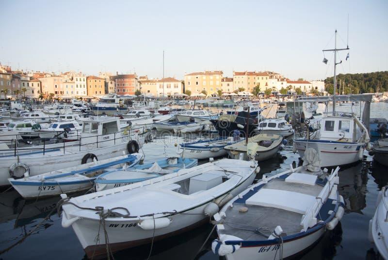 小船港口在罗维尼,克罗地亚 库存图片