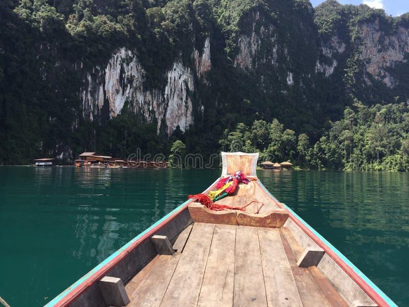 从小船的看法,美好的风景 免版税库存照片