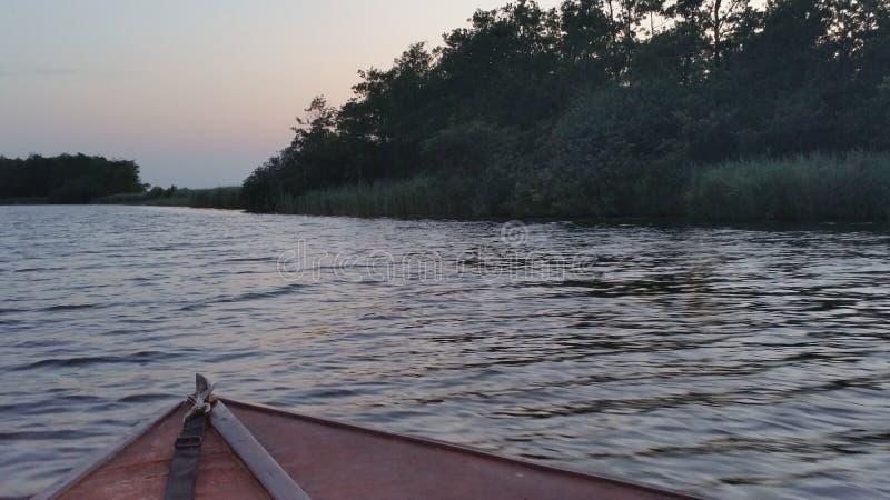 从小船的看法 免版税库存照片