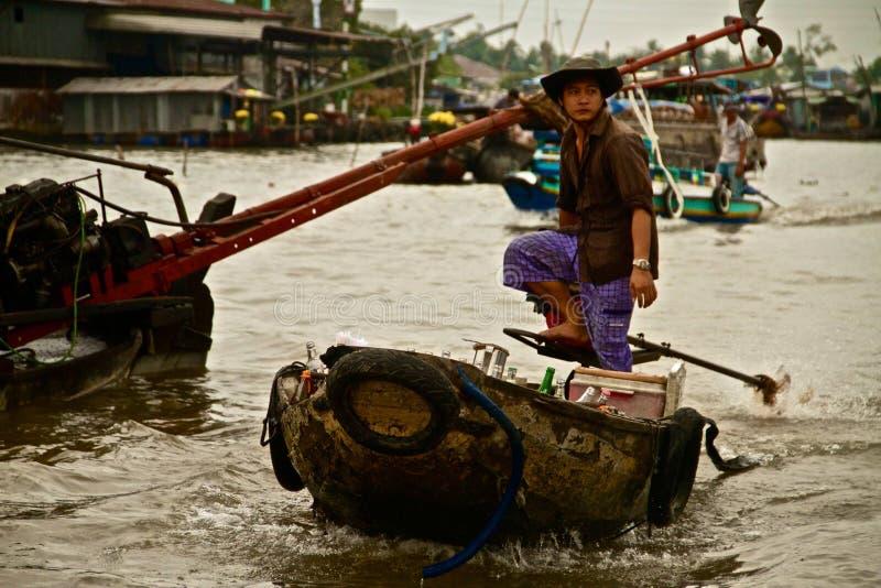 小船的越南人 库存图片