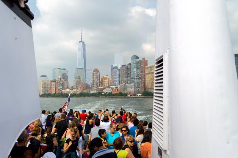 从小船看见的纽约 库存图片