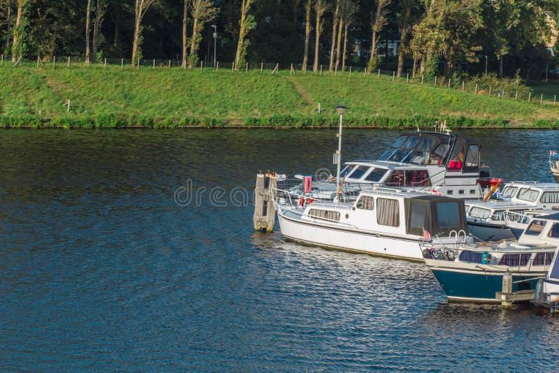 小船码头在运河一个小地方  免版税库存图片