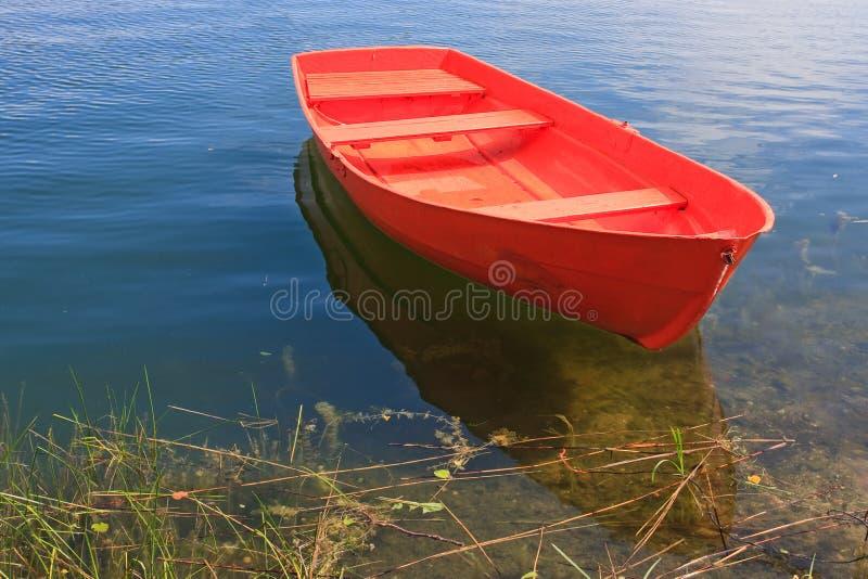 小船红色划船 库存图片