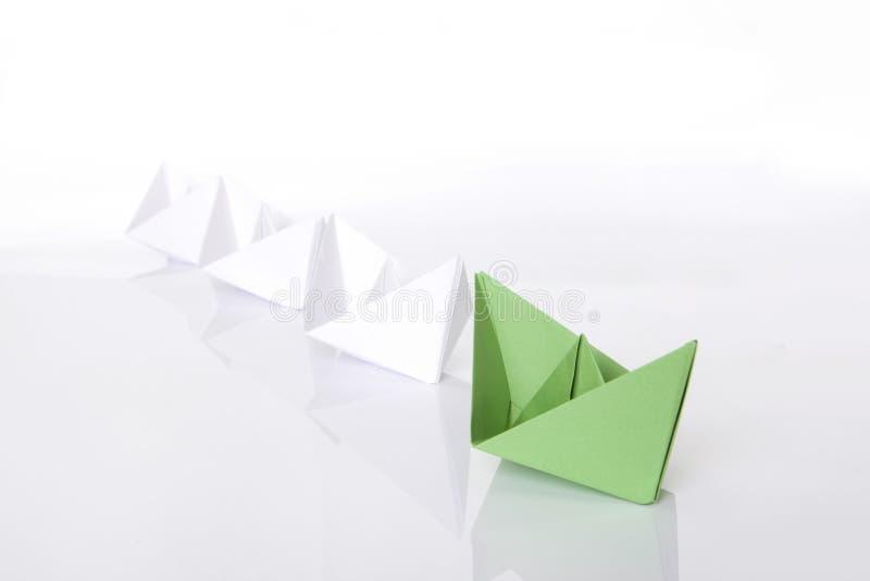 小船绿色origami纸赢取 库存照片