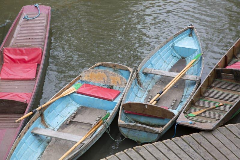 小船聘用标志,牛津 免版税库存照片