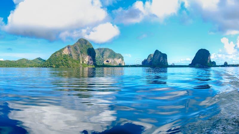 从小船航行的看法在海,董里府,南部 库存照片