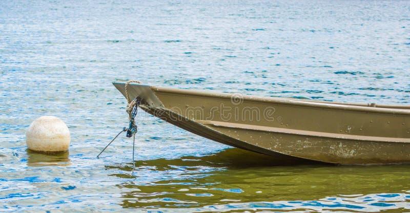 小船被栓对浮体 库存图片