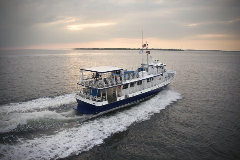 小船轮渡乘客 免版税库存图片