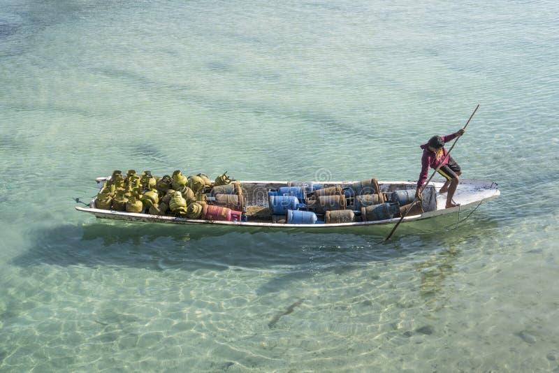 小船运输,伦邦岸岛,印度尼西亚 库存图片