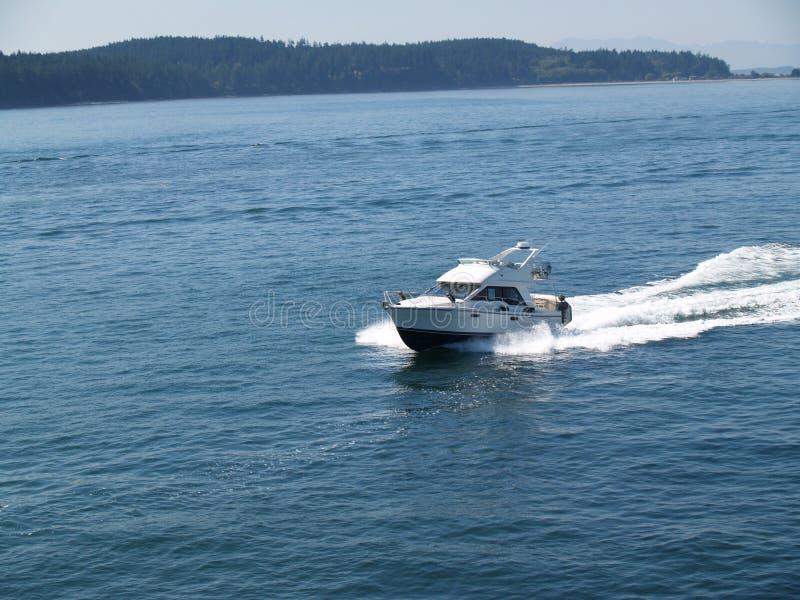 小船进行中客舱的马达 库存照片
