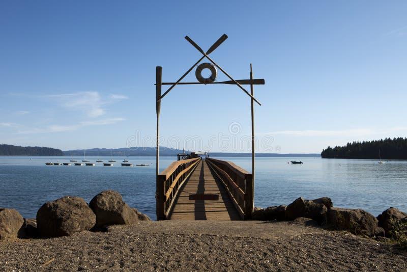 Download 小船阵营码头夏天 库存照片. 图片 包括有 码头, 入口, 救星, 声音, 风船, 小船, 石渣, 没人 - 15694654