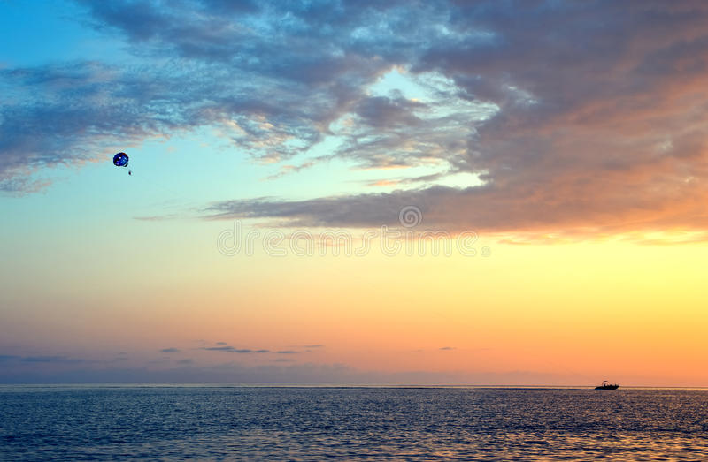 小船降伞 免版税库存照片