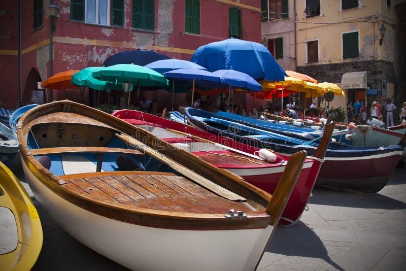小船靠了码头vernazza 库存图片