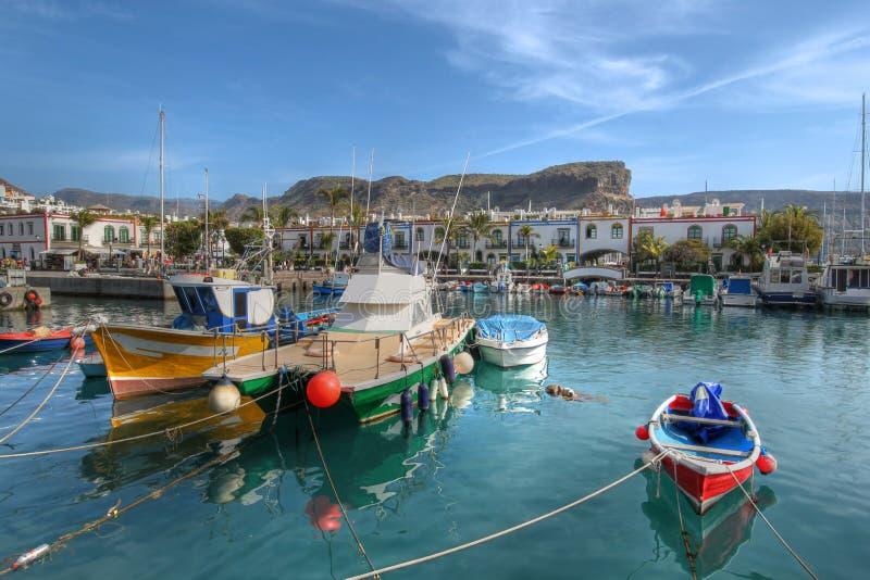 小船canaria de捕鱼gran mogan puerto西班牙 库存图片