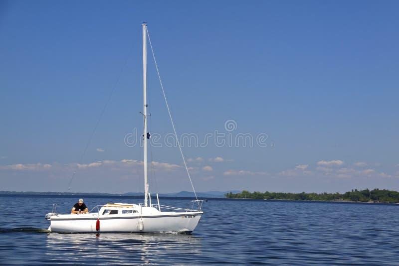 小船champlain他的湖人航行 库存图片