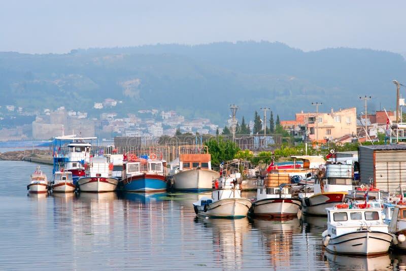 小船chanakkale城市港口火鸡 库存照片