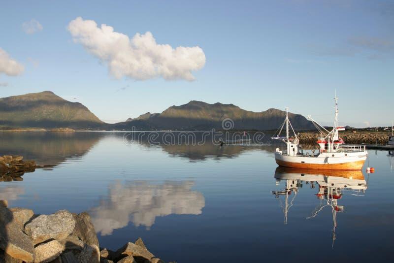 小船fishig lofoten传统的s 库存照片