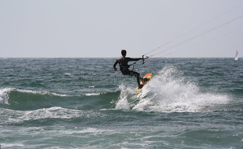 小船kitesurfer风帆 库存图片