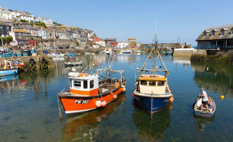 小船Mevagissey港口康沃尔郡英国 免版税图库摄影