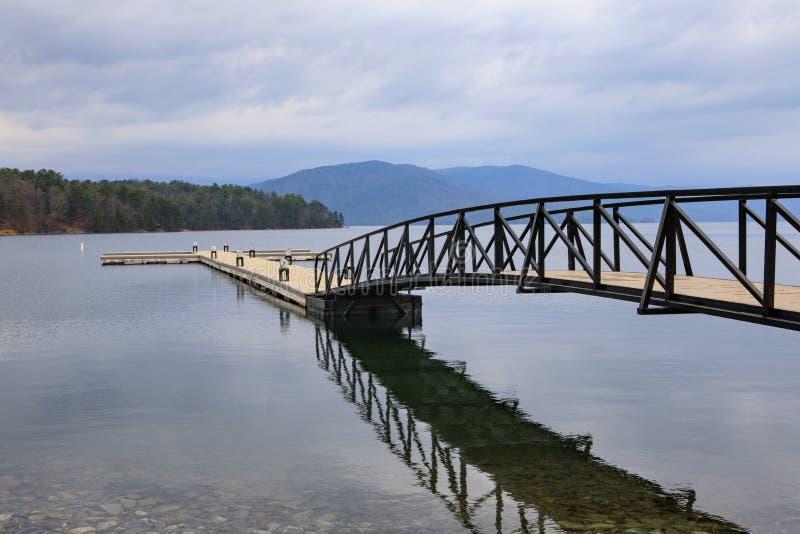 小船Ramp湖Jocassee SC恶魔叉子国家公园 库存照片
