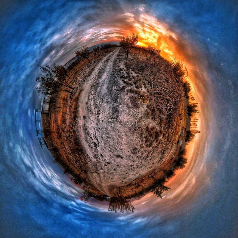 小行星摄影日落花园。小行星摄影夕阳花园 库存图片