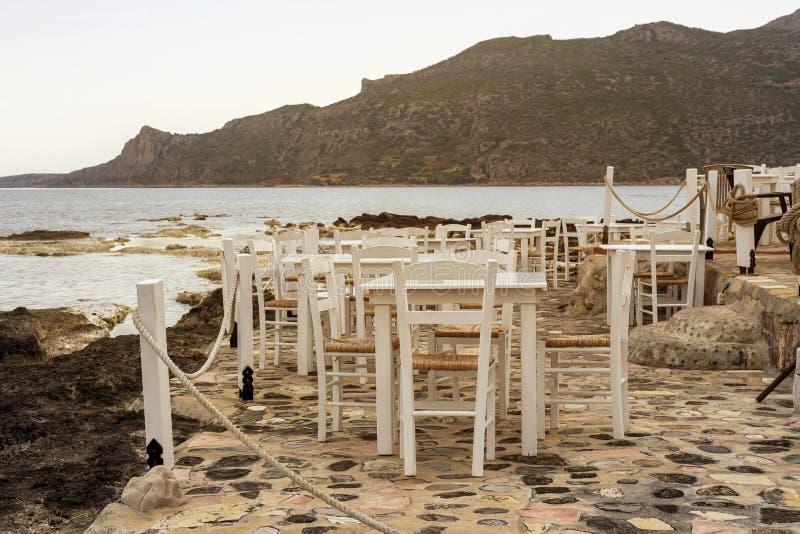 小酒馆有海视图希腊,伯罗奔尼撒 免版税库存图片