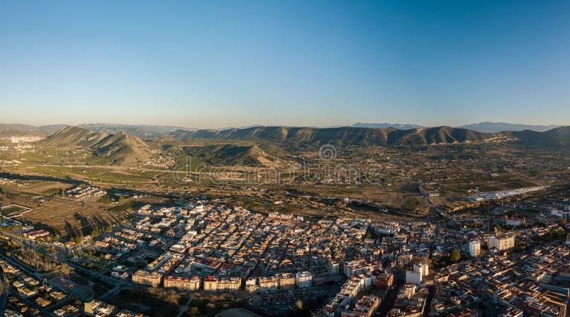 小镇运河空中全景在西班牙 免版税库存照片
