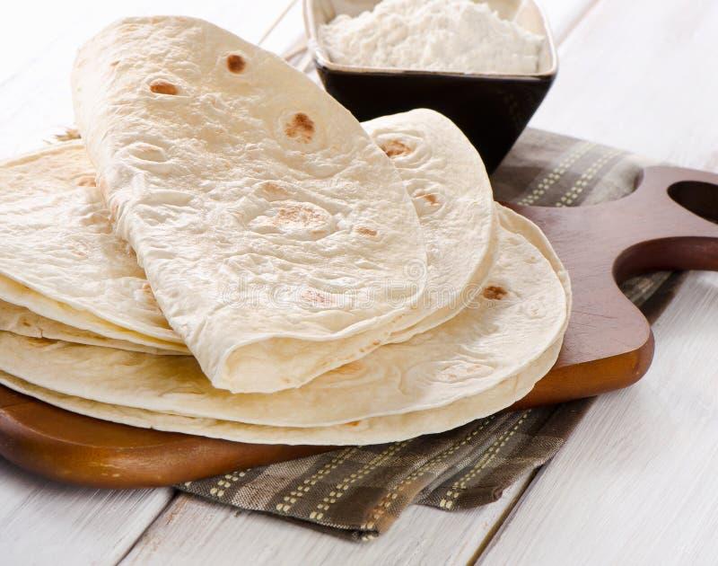 小麦面粉玉米粉薄烙饼 免版税库存照片