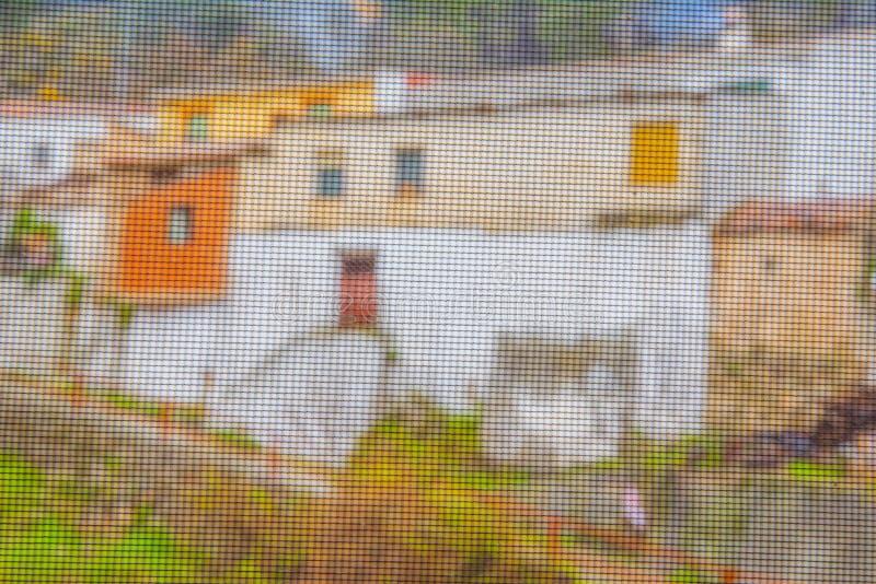 小,五颜六色和美丽如画的村庄在美丽的山脉del塞古拉,阿尔瓦萨特,西班牙 库存照片