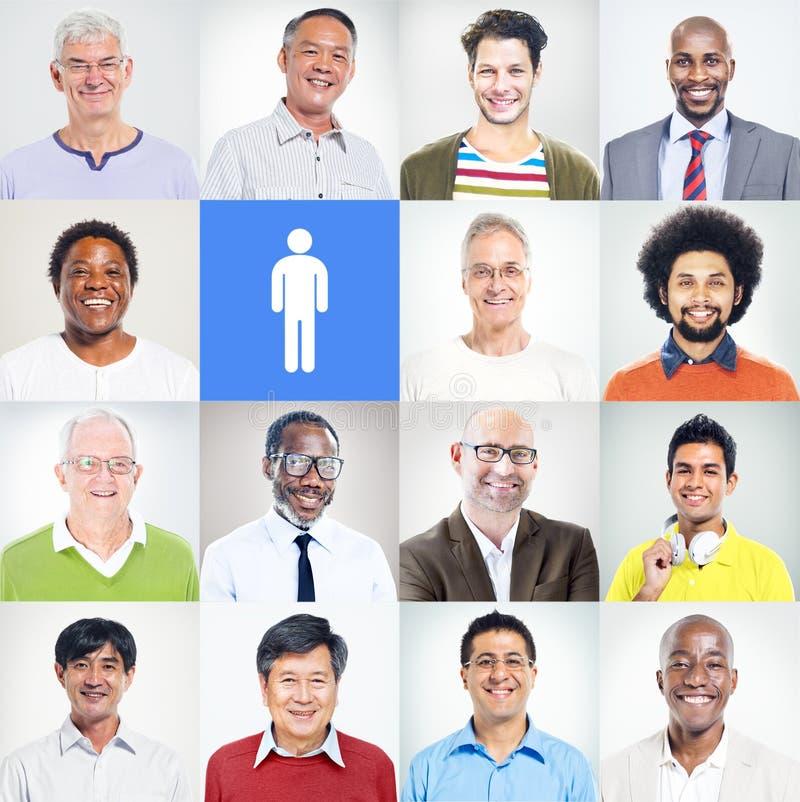 小组不同种族的不同的确信的人 免版税库存照片