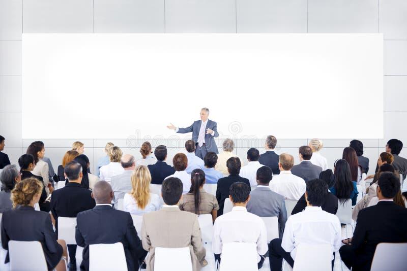 小组企业介绍的商人 免版税库存图片