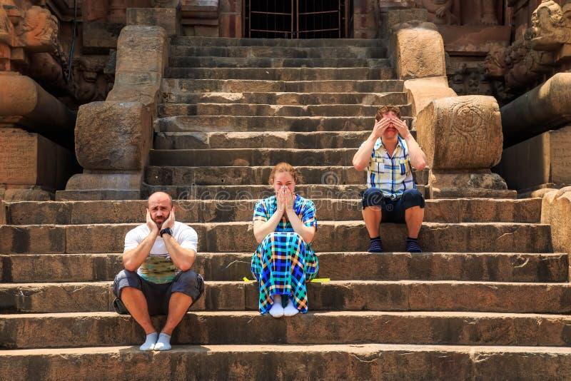 小组寺庙的楼梯的游人 库存照片