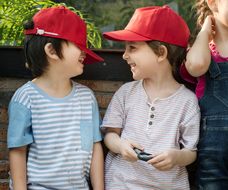 小组幼儿园哄骗学会从事园艺户外三的领域 图库摄影