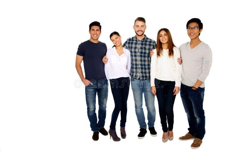 小组年轻愉快的朋友 免版税库存图片