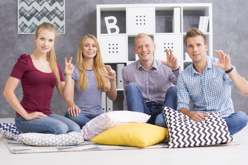 小组手势语学习者 免版税库存图片