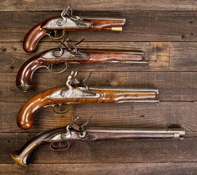 小组真正的燧发枪手枪 库存图片